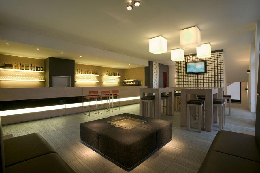 Arredamenti per bar moderni arredamenti per bar moderni for Arredamenti per bar tabacchi